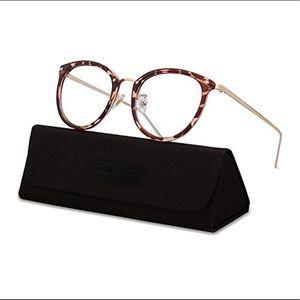 Tortoise frame eyeglass